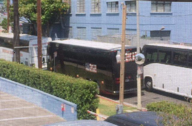 neighborhood bully's idling buses vex neighbors